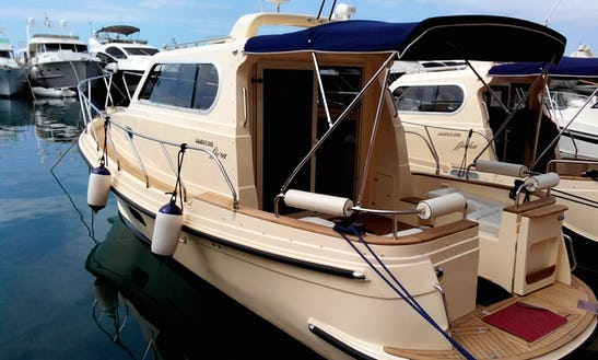 Charter A Damor 980 Fjera Motor Yacht For 6 Person In Trget, Croatia