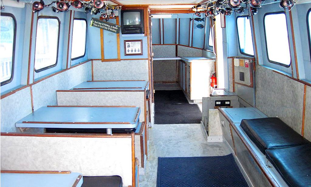 Deep sea fishing charters on 53ft eddy lee yacht in for Cortez motors bradenton fl