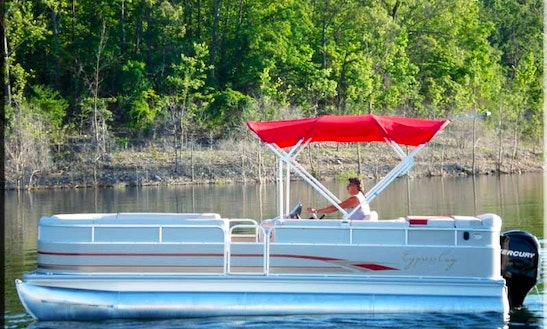 25' Pontoon Rental With Sundeck On Bull Shoals Lake