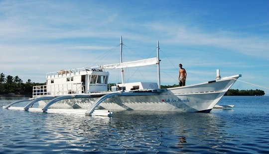 Charters And Boat Trips In Indonesia, Gili T, Komodo Island, And More