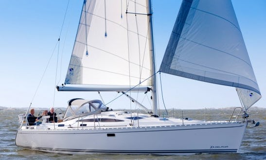 Charter A 40' Delphia Sailboat For 8 People In Palermo, Italy