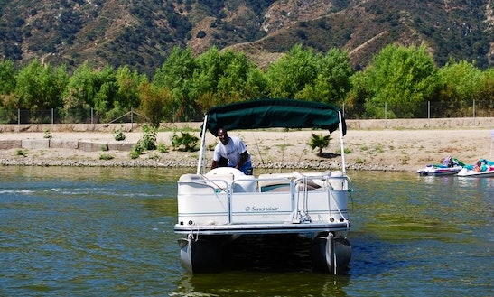 Pontoon Boat Rentals On Lake Elsinore, California