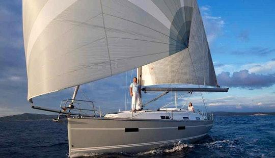 Excellent Bavaria 32 Sailing Yacht In Siófok