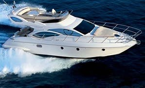Luxurious Motor yachts Princess & Azimut