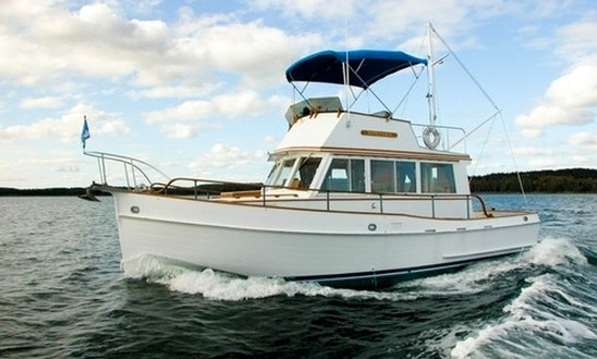 32ft Tortuga Grand Banks Trawler Yacht Charter In Brooksville, Maine