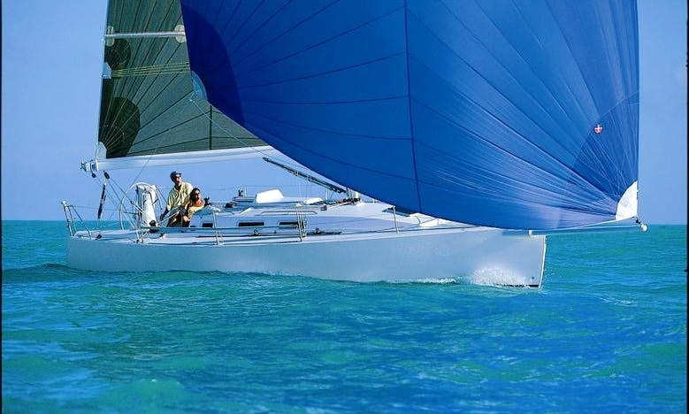 Charter 35' Cruising Monohull Sailboat J/109 in Hamble-le-Rice, England