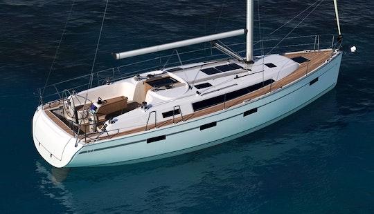 Charter Bavaria 41 Cruiser Sailboat In Šibenik