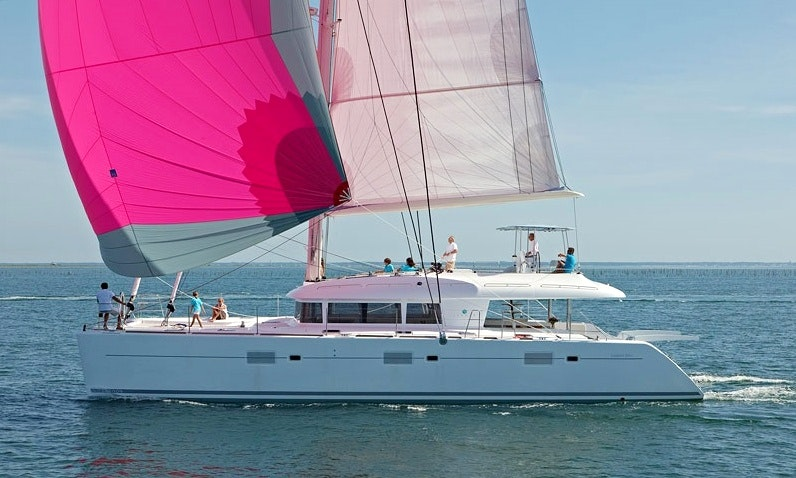Charter 62ft Amazing Lagoon 620 Cruising Catamaran In Key Largo