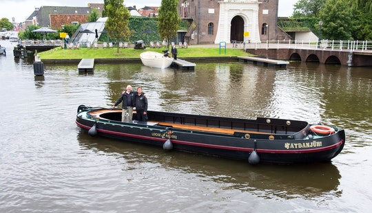 34ft Cocosmacroon Canal Boat For Charter In Leiden, Netherlands