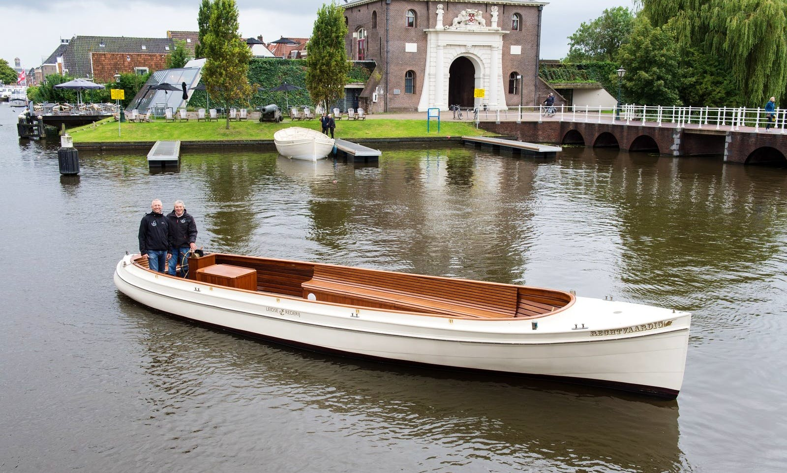 Classic Luxurios Bride Boat for up to 12 Person in Leiden, the Netherlands