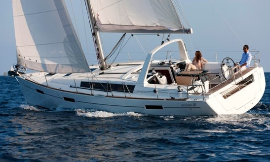 Beneteau Oceanis 41 - Cruising Monohull In Italy, La Spezia