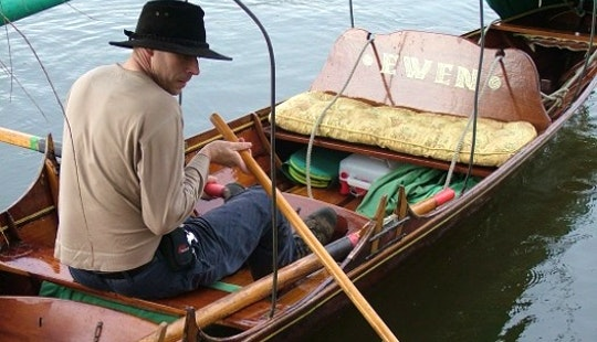 Thames Camping Skiff Row Boat For Hire