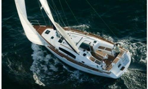 Charter Oceanis 40 in Denia