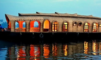 Deluxe Houseboat Cruise Ready To Book in Alappuzha, India