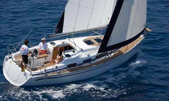 Charter 31' Cruising Monohull In Genova