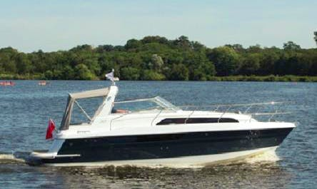 Broom 30 Coupe Charter