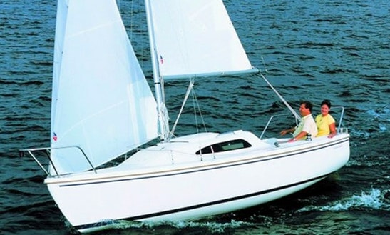 22' Catalina Daysailer Rental In Key Largo, Florida