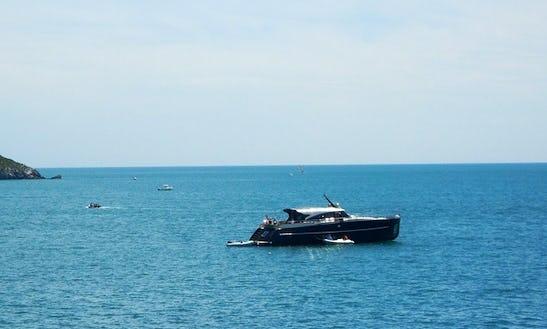 Luxury Power Mega Yacht Charter In Torquay