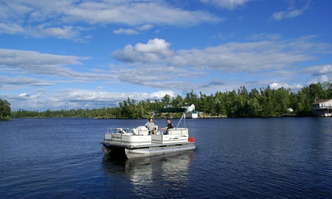 16' Pontoon Boat Rental in Ontario, Canada