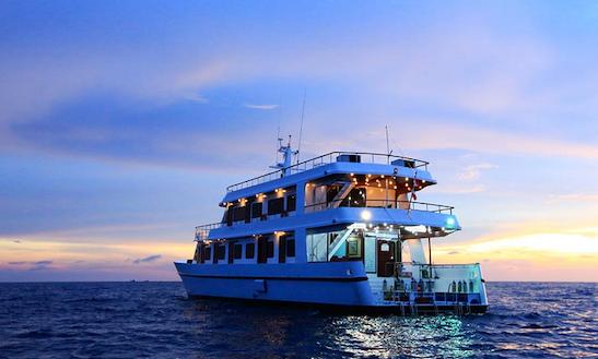 Hallelujah 4 Night Diving Yacht In Tambon Khuekkhak