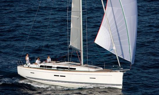 Cruising Monohull Dufour 405 'smile'  In Tropea