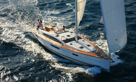 Sailing Charter On 53ft