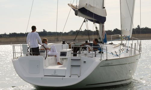 Luxury Yacht ''MARINA''  Cyclades 50.5 A/C Charter in Greece