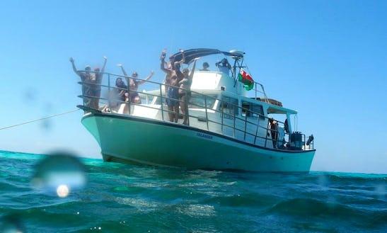 Motor Yacht Rental In Oakridge