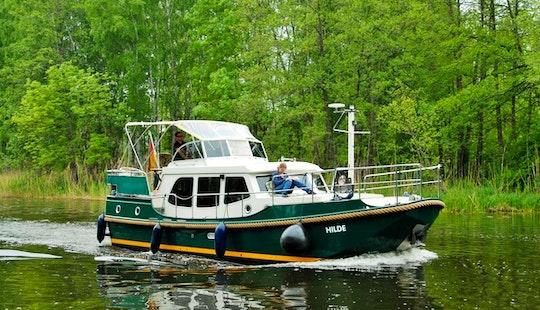 Linssen Ds 320 (hilde) Motor Yacht Hire In Germany Müritz
