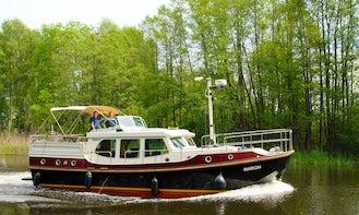 Linssen DS 380 Motor Yacht (Marion) Rental in Germany Müritz