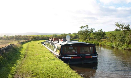 Lady Teal Boutique Hotel Boat In Yorkshire
