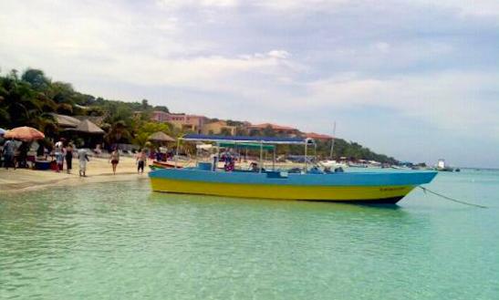 Parasailing & Banana Boat Rides In Roatán, Honduras
