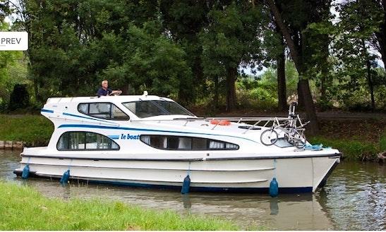 Motor Cruiser Le Boat Caprice Hire In Scotland