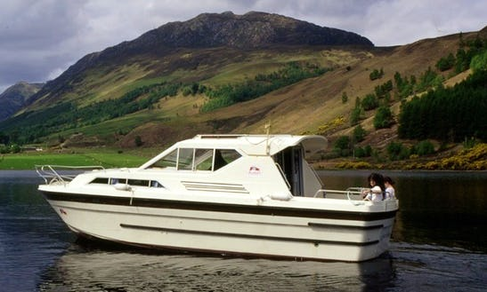 Motor Cruiser Cygnet Hire In Scotland