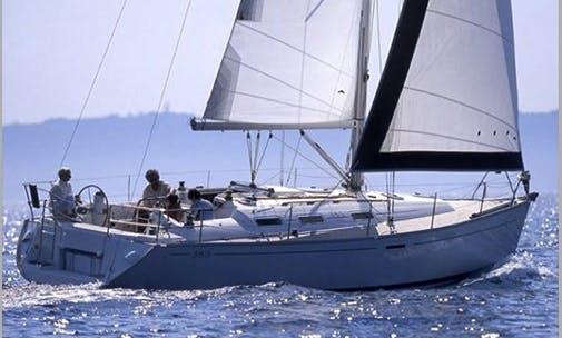 Charter Lady Maïa Hire in Dénia