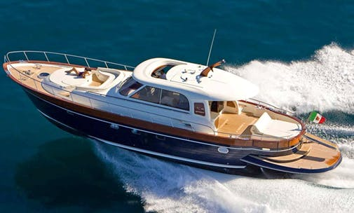 Luxury Yacht Fly Apreamare Hire in Dénia