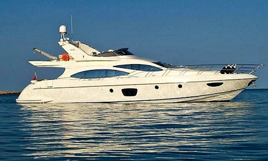 Luxury Yacht Azimut 68 Evolution Hire In Dénia