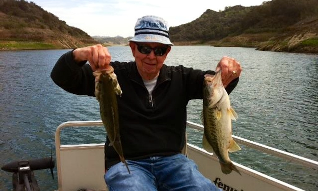 Guided fishing trip on pontoon boat on lake casitas in for Freshwater fishing in southern california