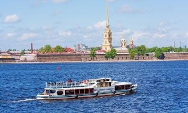 "Luxury Ship ""Senator""  Rental in Sankt-Peterburg"