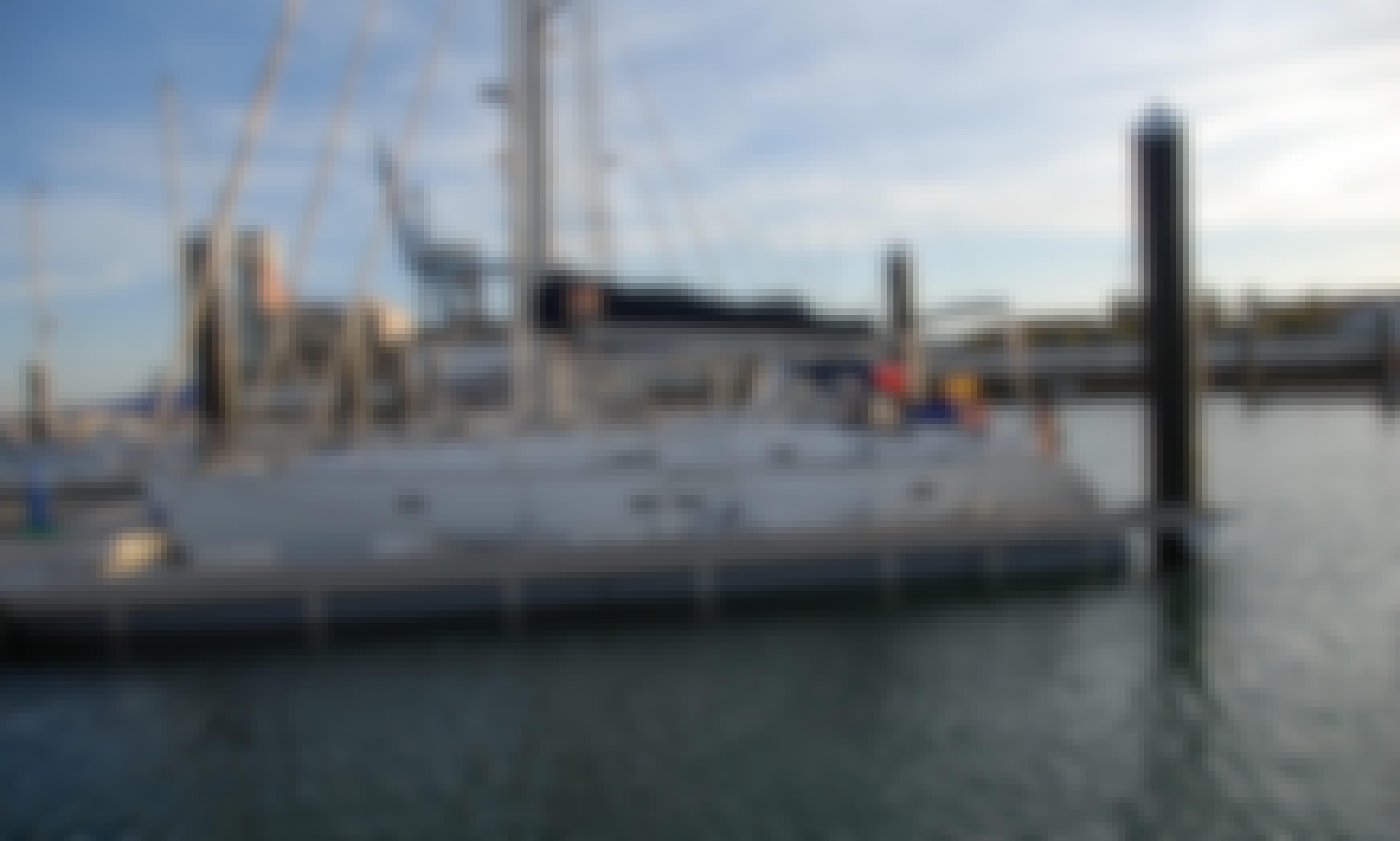 Yacht Rental in Cádiz