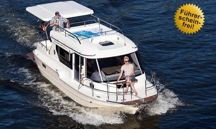 31' Motor Yacht Charter in Berlin, Germany | GetMyBoat