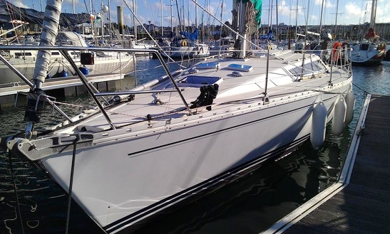 Charter 36' Sunshine Yacht In France