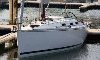 Charter 37' Salona Sailing Yacht in France