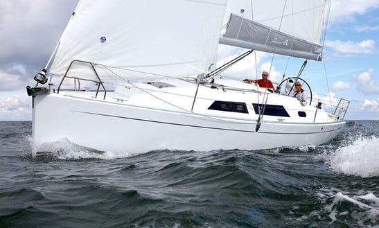 Charter Hanse 325 Yacht  In France