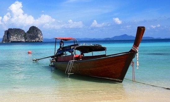Canal Boat Rental In Tambon Sala Dan