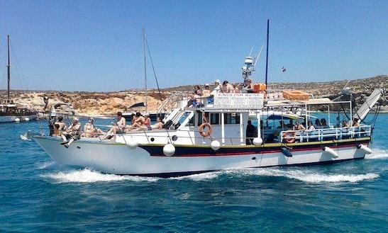 Passenger Boat Rental In Qala Gizo