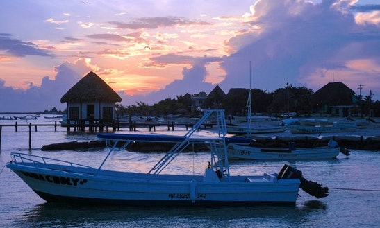 18' Fishing Boats In Holbox