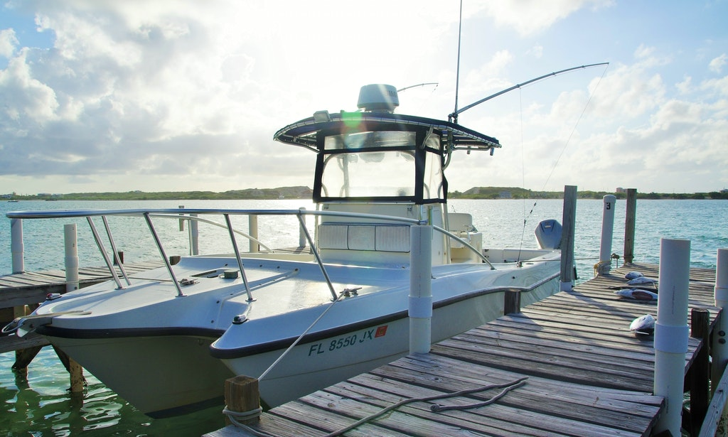 Fishing charters on 30ft screaming reels center console for Turks and caicos fishing charters