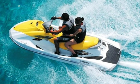 Rent Wave Runner Jet Ski In Cancun, Mexico