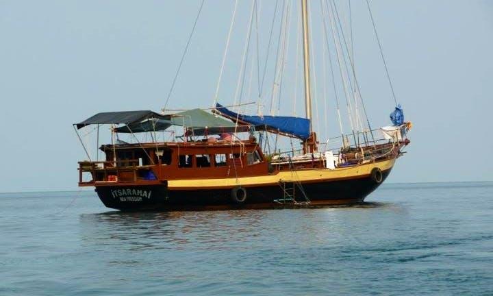 Indonesian Wooden Yacht Private Cruises Koh Phangan, Koh Samui